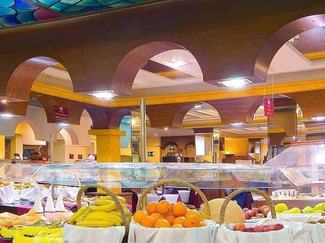 Buffet restaurant magic cristal park hotel benidorm